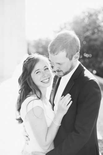 washington dc, lincoln memorial wedding photos, couple portraits sunshine, laughing